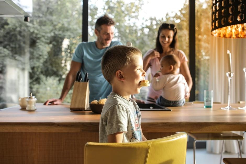 familia asesor inmobiliario